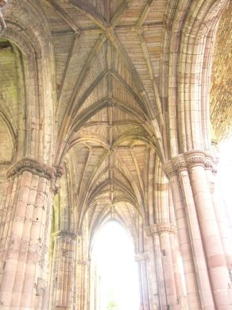 melrose-abbey-2.jpg