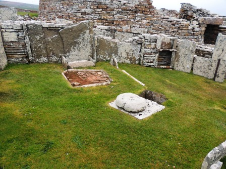 Broch of Gurness 14 gathered houses
