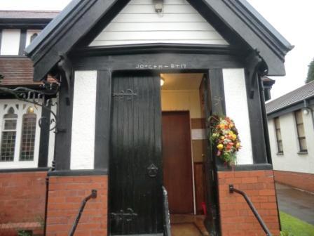 chalking-the-lintel-2017-main-door-done
